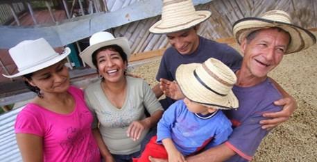 Fundaciones Efico y Collibri donan $100 millones a FNC para familias cafeteras ante covid-19