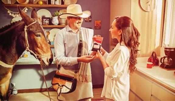 El café Juan Valdez llega a las tiendas de barrio de todo el país