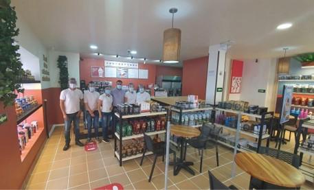 Juan Valdez inaugura su primera tienda