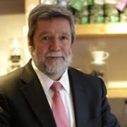 El Gerente General de la FNC determina agenda futura con líderes de la industria del café en Japón
