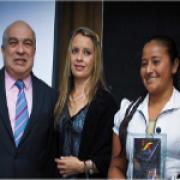 FNC recibió premio por contribuir a la construcción de la paz en Colombia