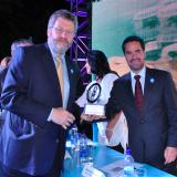 FNC  a la vanguardia en manejo del recurso hídrico: Premio Planeta Azul 2010 – 2011