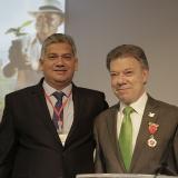 Presidente Santos recibe Medalla al Mérito Cafetero Manuel Mejía