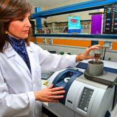La FNC implementa tecnología de punta para el control del Origen Café de Colombia